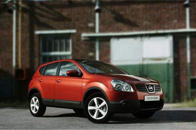 Nissan_Qashqai_2007-_1.jpg