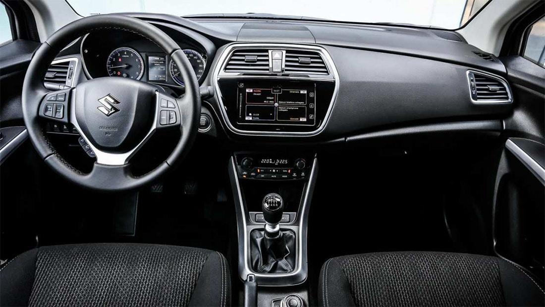Suzuki-SX4-2016-2017-5-min.jpg