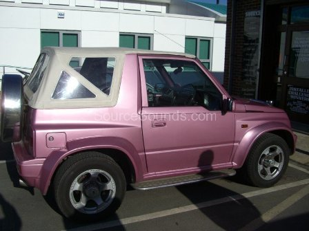 Suzuki_Vitara_Pink_Source_Sounds_Sheffield_Car_Audio2.JPG