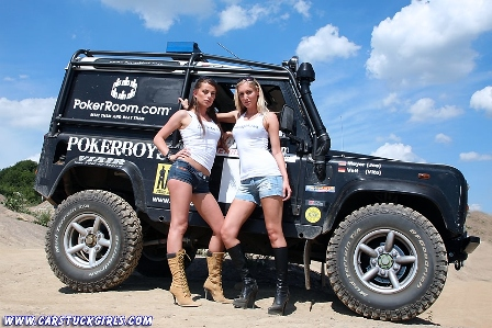 2_defender_girls_stuck_in_mud_001.jpg