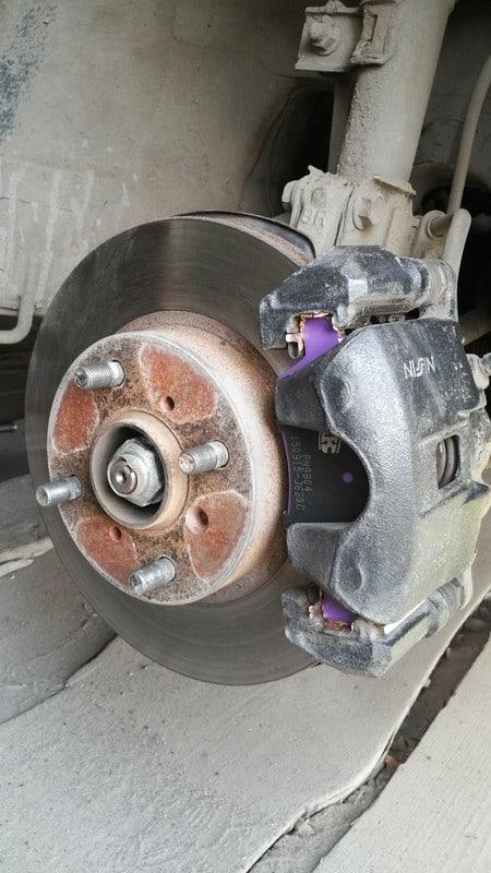 Замена тормозных дисков на солярисе своими руками 17
