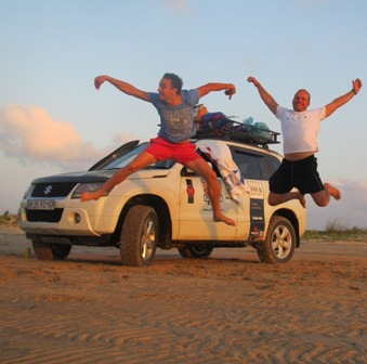 Suzuki Grand Vitara Put Foot Africa 3.jpg